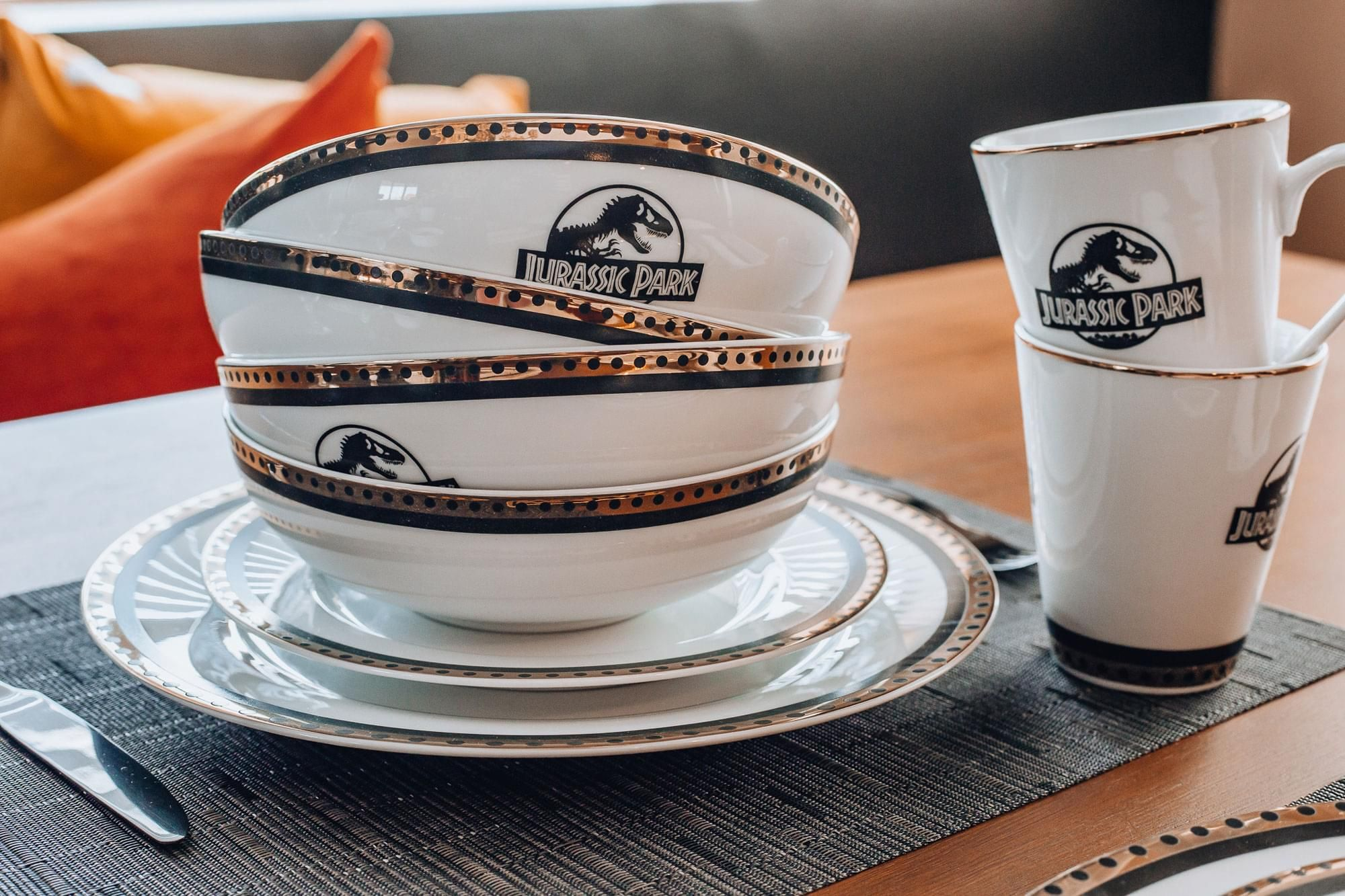 Jurassic Park Replica Dinnerware Set Available At Toynk.com