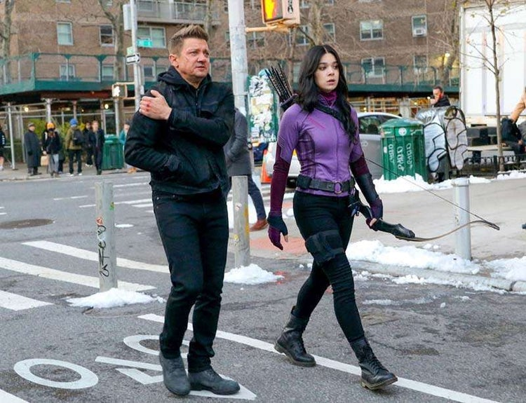 New Photos Of Hailee Steinfeld's Hawkeye Costume  Revealed