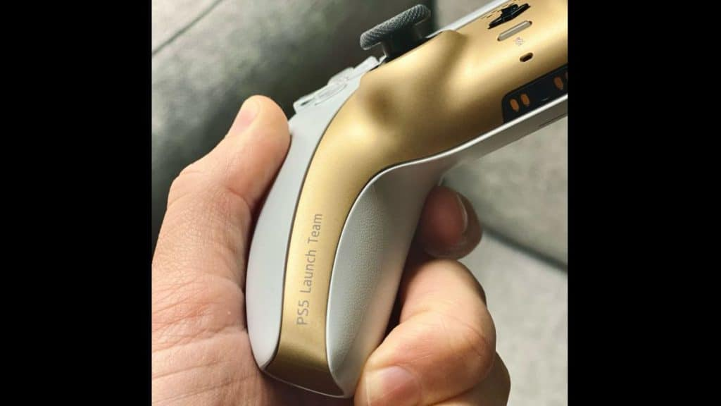 The only picture of the shiny DualSense controller for now.